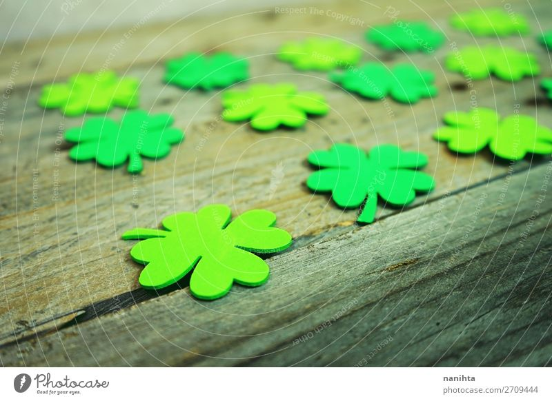 Beautiful close-up of many irish shamrocks Design Happy Table Wallpaper Feasts & Celebrations Culture Leaf Paper Wood Ornament Hip & trendy Green Colour