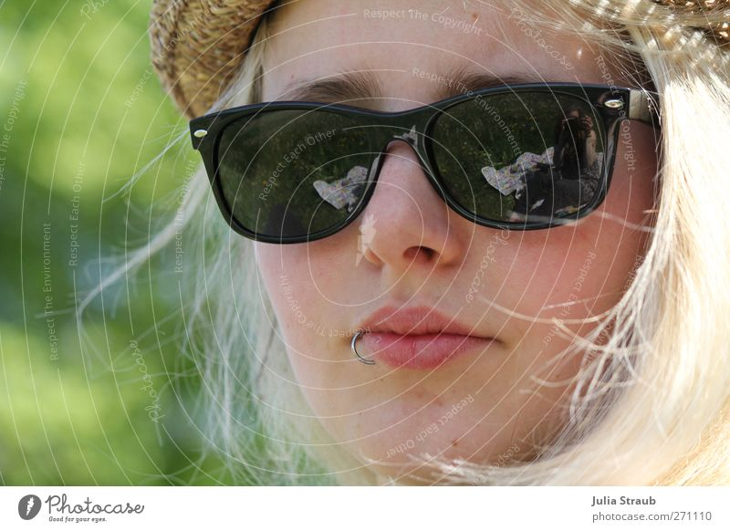 Li Feminine Young woman Youth (Young adults) Sister Head 1 Human being 18 - 30 years Adults Summer Piercing Sunglasses Hat Blonde Long-haired Cool (slang) Green