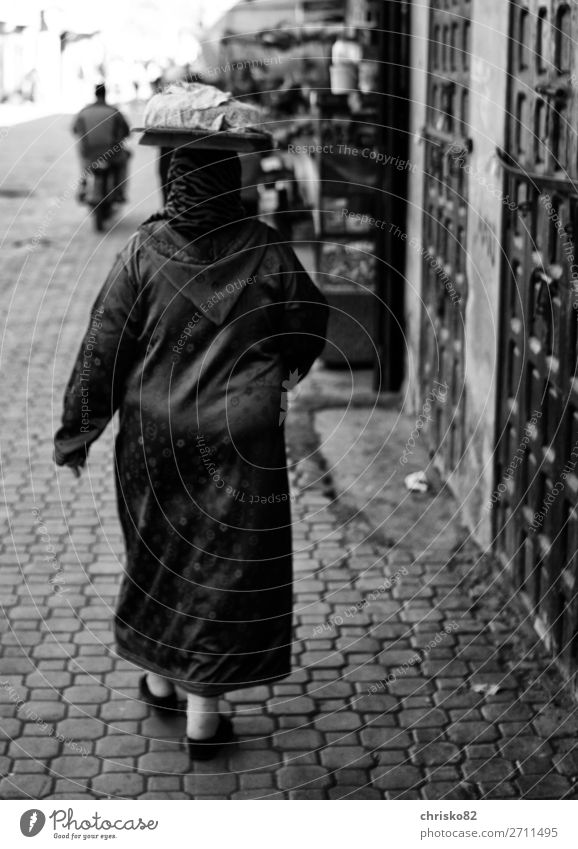 head transport Shopping Style Woman Adults 1 Human being Town Old town Coat Caftan Headscarf Walking Carrying Exceptional Feminine Power Determination Passion