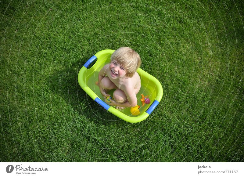 The tub is full Masculine Child Boy (child) 1 Human being 1 - 3 years Toddler Nature Grass Scream Blonde Brash Green Enthusiasm Infancy Bathtub Garden