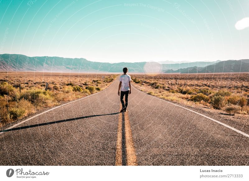 Boy in the middle of Route 66 Vacation & Travel Tourism Human being Masculine Young man Youth (Young adults) Man Adults 1 Wanderlust Adventure Freedom America