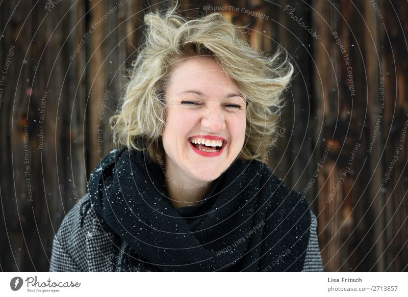 Warm laugh, blonde, short-haired, windy, snow Healthy Woman Adults 1 Human being 18 - 30 years Youth (Young adults) Scarf Blonde Short-haired Curl Laughter