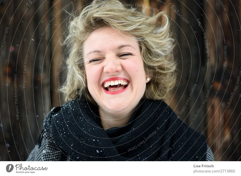 LAUGHTER - SNOW - RED LIPS already Face Lipstick Vacation & Travel Woman Adults 1 Human being 18 - 30 years Youth (Young adults) Earring peel Blonde
