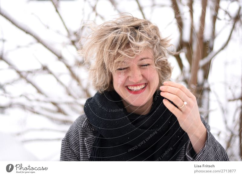 blonde, short-haired, laughing, wind, hair blown up Lifestyle Style Beautiful Hair and hairstyles Woman Adults 1 Human being 18 - 30 years Youth (Young adults)