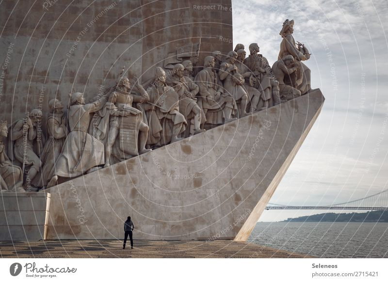 2300 l Places of interest Vacation & Travel Tourism Sightseeing City trip 1 Human being Ocean Lisbon Portugal Capital city Port City Harbour Manmade structures