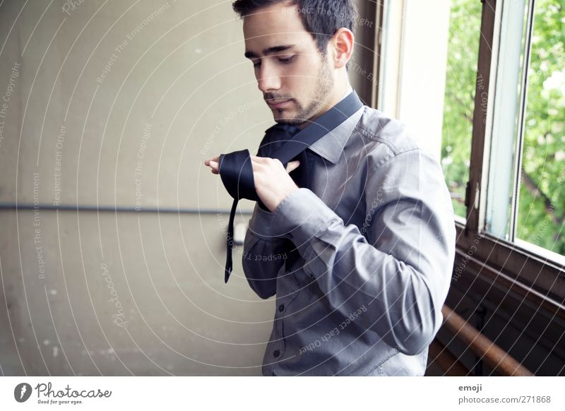 who can tie the knot? Masculine Young man Youth (Young adults) 1 Human being 18 - 30 years Adults Fashion Clothing Shirt Accessory Tie Facial hair Beautiful