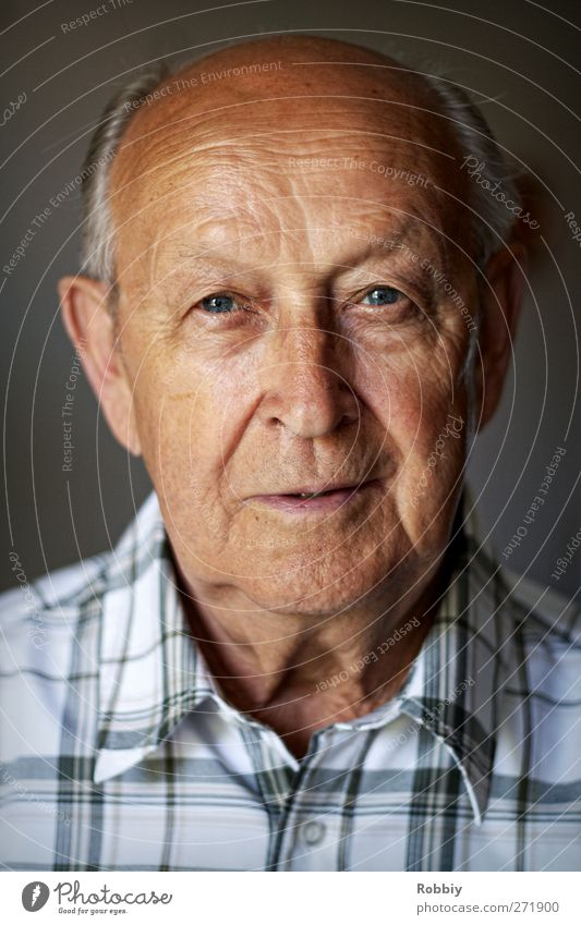 Grandfather I Man Adults Male senior Senior citizen Head 1 Human being 60 years and older Looking Old Esthetic Authentic Historic Brown Gray Sympathy Wisdom