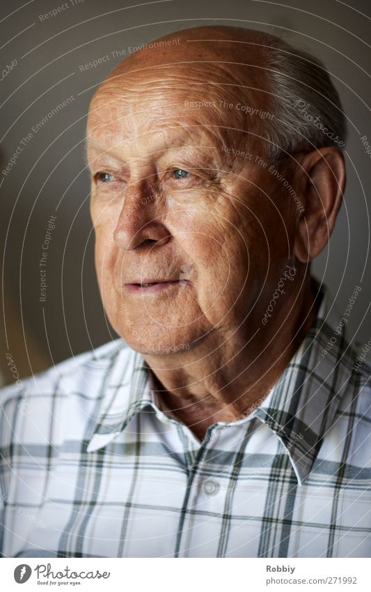 Grandfather II Masculine Man Adults Male senior Senior citizen Head 1 Human being 60 years and older Smiling Looking Old Authentic Happiness Brown Gray