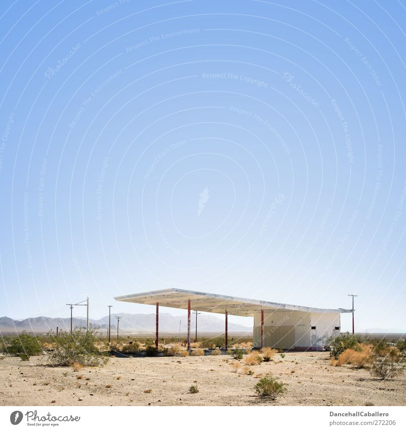 Abandoned gas station in the desert Petrol station USA Technology Building Petrol pump Loneliness Closed Transport Raw materials and fuels lockdown