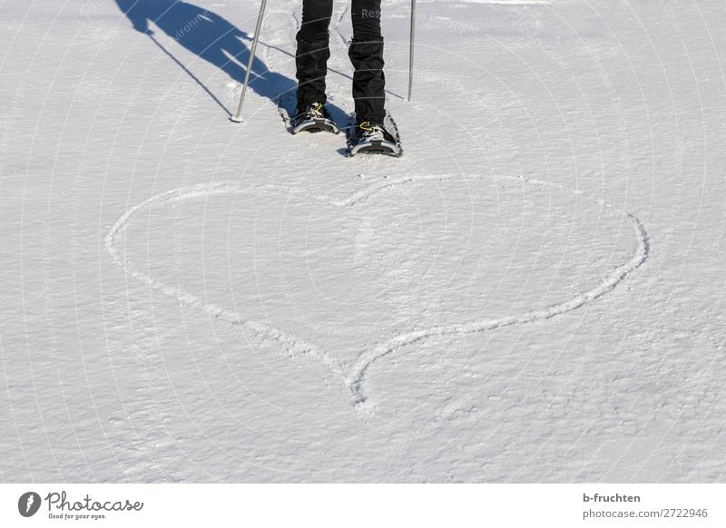 Heart in the snow, snowshoe hiking Life Sports Winter sports Hiking Legs 1 Human being Snow Sign Love Freedom Leisure and hobbies Joie de vivre (Vitality)