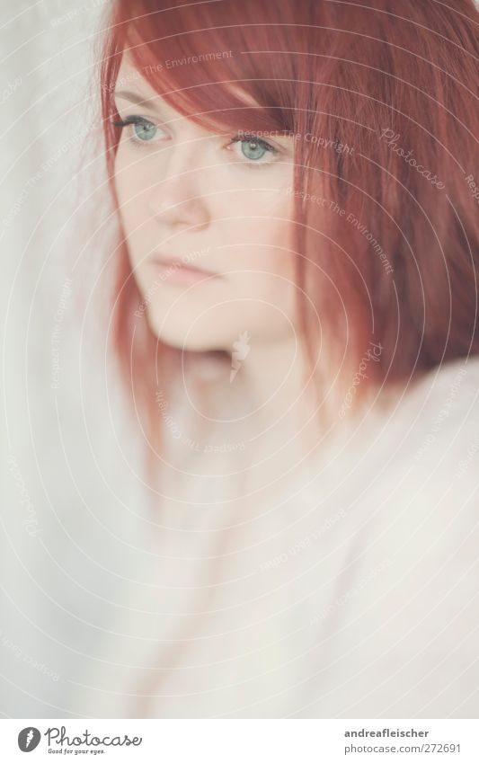 redhead Feminine Young woman Youth (Young adults) Woman Adults 1 Human being 18 - 30 years Red-haired Long-haired Part Bangs Emotions Moody Esthetic Calm