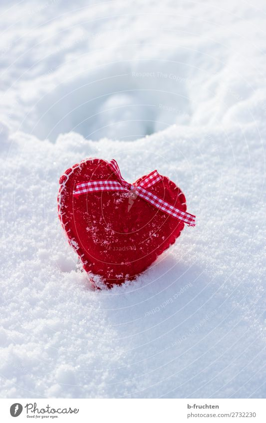 Felt heart in the snow Birthday Winter Beautiful weather Snow Toys Decoration Sign Heart Select Love Free Red White Sympathy Friendship Infatuation Romance