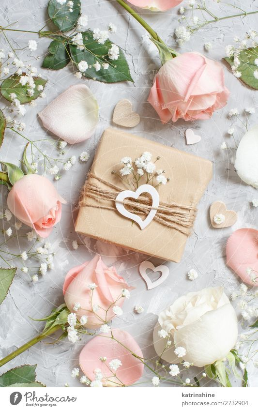 Gift box with roses and small white flowers Woman Beautiful White Flower Adults Wood Blossom Small Gray Above Decoration Heart Wedding Craft (trade) Rustic