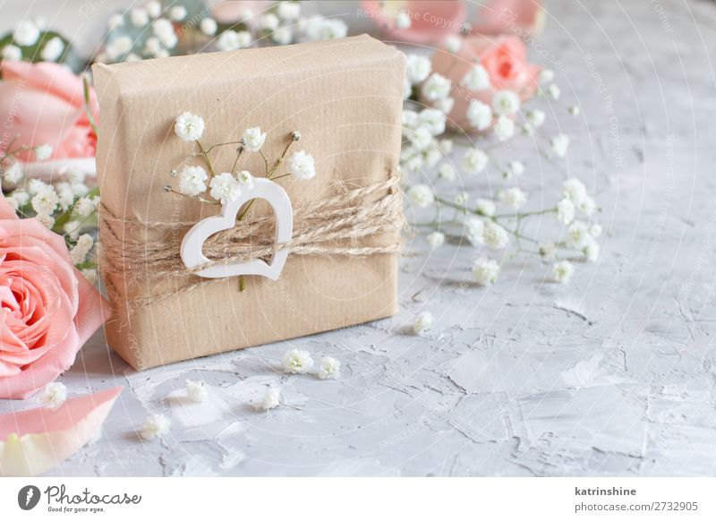 Gift boxes with small white flowers and hearts Woman Beautiful White Flower Adults Wood Blossom Small Copy Space Gray Decoration Heart Wedding Craft (trade)