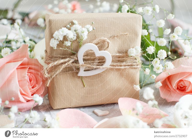 Gift box with roses and small white flowers Woman Beautiful White Flower Adults Wood Blossom Small Gray Decoration Heart Wedding Craft (trade) Rustic