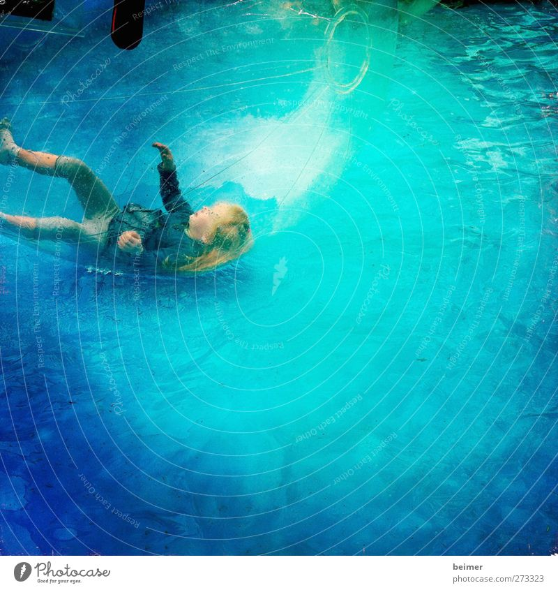 Human being Child Blue Water Girl Joy Playing Happy Infancy Happiness Individual To fall Sphere Fluid Turquoise Joie de vivre (Vitality)