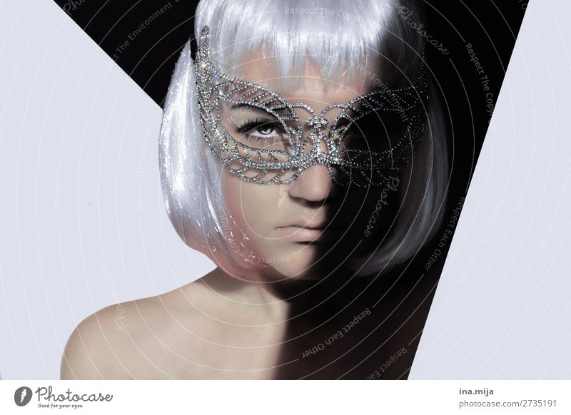 _ Style Party Going out Feasts & Celebrations Clubbing Human being Young woman Youth (Young adults) Face 1 Accessory Mask Hair and hairstyles White-haired