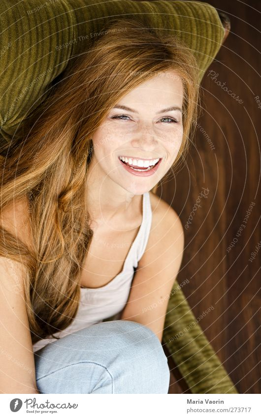Human being Youth (Young adults) Beautiful Adults Relaxation Feminine Happy Laughter Young woman Natural 18 - 30 years Happiness Living or residing Smiling Jeans Serene
