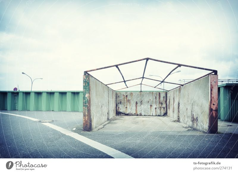Old Green House (Residential Structure) Street Wall (building) Lanes & trails Gray Wall (barrier) Stone Line Facade Concrete Transport Broken Roof Logistics