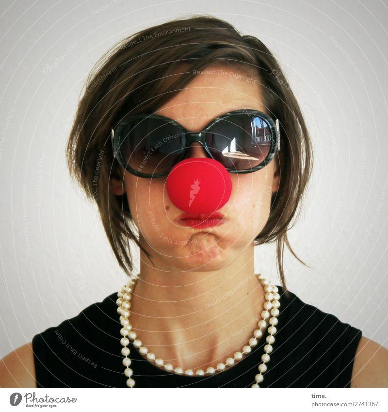 5,000 time.s Tschingderassaboom Feminine Woman Adults 1 Human being Artist Actor Clown T-shirt Accessory Jewellery Sunglasses Necklace Brunette Long-haired
