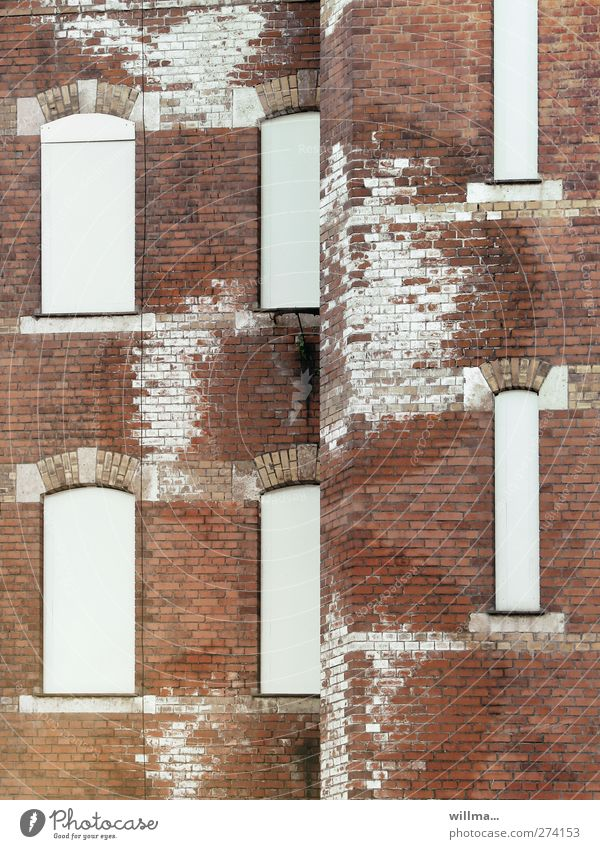 City White Red House (Residential Structure) Window Wall (building) Building Wall (barrier) Brown Facade Wet Transience Change Construction site Decline Brick