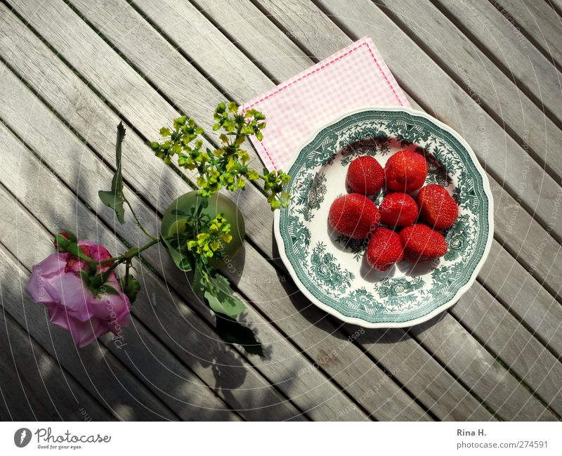 Red Joy Warmth Gray Happy Bright Fruit Fresh Table Living or residing Rose Diagonal Joie de vivre (Vitality) Delicious Plate Strawberry