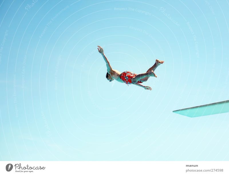 flight time Leisure and hobbies Adventure Summer Summer vacation Aquatics Sportsperson Swimming & Bathing High diving Springboard Swimming pool Human being