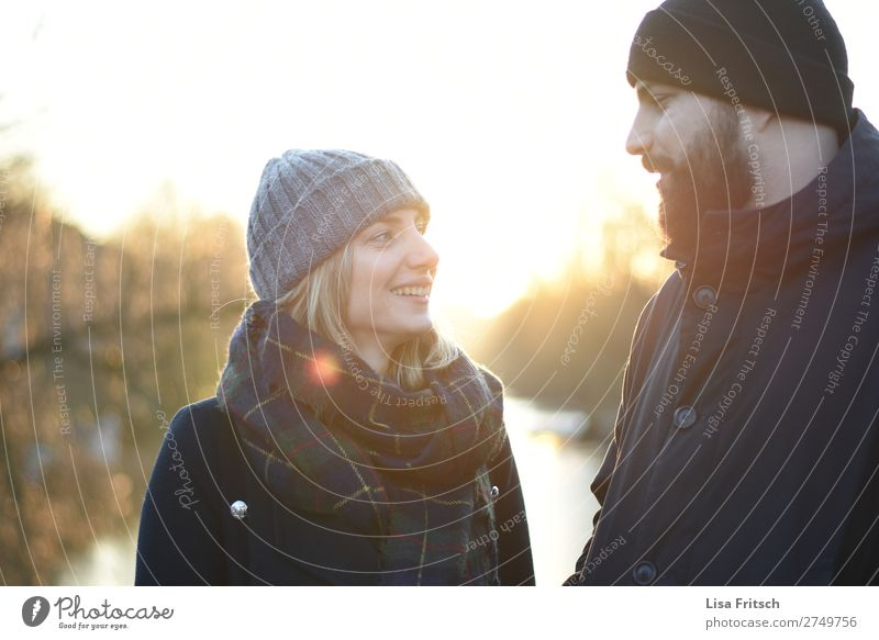 Sunshine, Man & Woman, Couple, Caps, Winter Adults Partner 2 Human being 18 - 30 years Youth (Young adults) 30 - 45 years Sunlight Beautiful weather Scarf