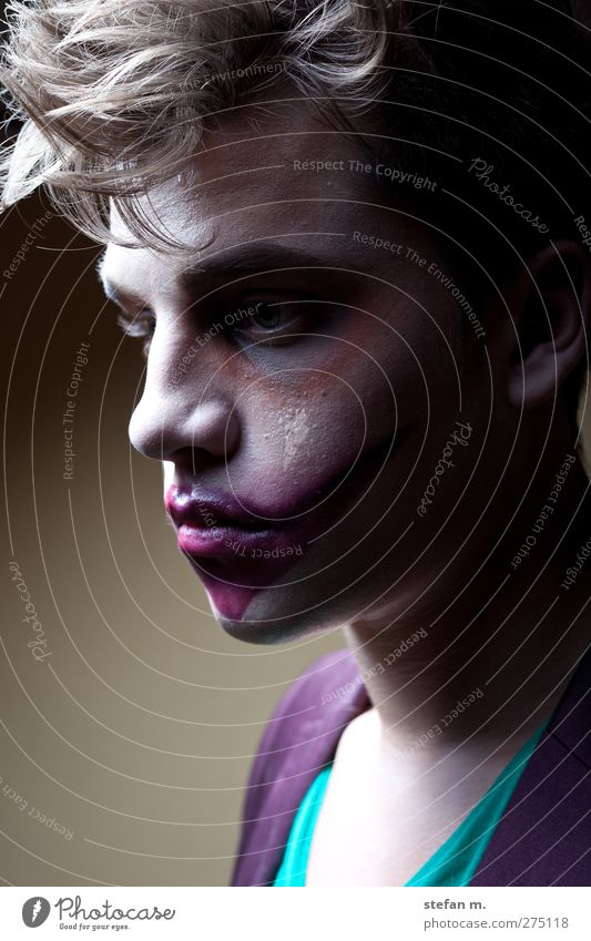 purple lips Make-up Human being Masculine 1 18 - 30 years Youth (Young adults) Adults Art Theatre Actor Subculture Hair and hairstyles Observe Sadness Faded