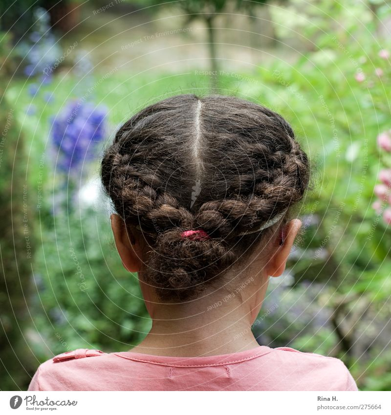 Girl in the garden Human being Head Hair and hairstyles 1 3 - 8 years Child Infancy Summer Flower Garden T-shirt Brunette Long-haired Curl Braids Observe