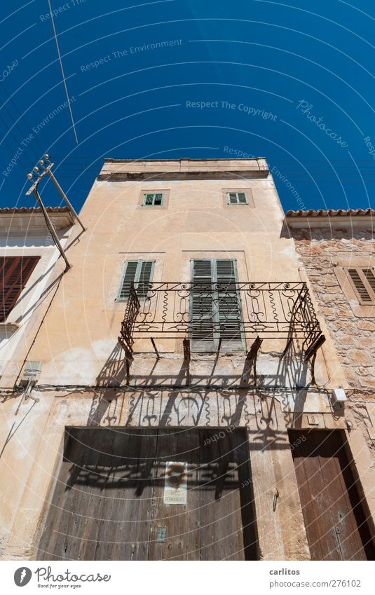 Vacation on balconies ... Cloudless sky Summer Old town House (Residential Structure) Building Wall (barrier) Wall (building) Facade Balcony Window Blue Brown