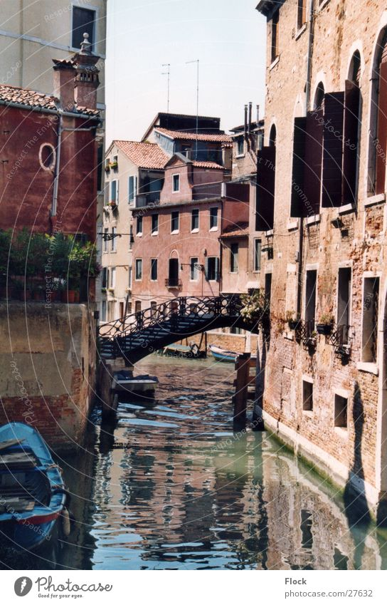 House (Residential Structure) Europe Bridge Venice Alley Sewer Italy