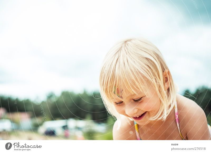 summer fun Joy Hair and hairstyles Skin Face Leisure and hobbies Playing Human being Feminine Child Toddler Girl Infancy Head 1 3 - 8 years Sky Blonde Laughter