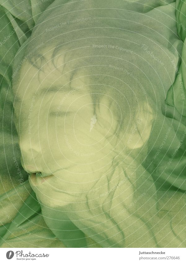 The little dragon sleeps Human being Masculine Androgynous Head Face 1 Stage play Sleep Green Trust Safety (feeling of) Calm Dream Contentment Peace Protection
