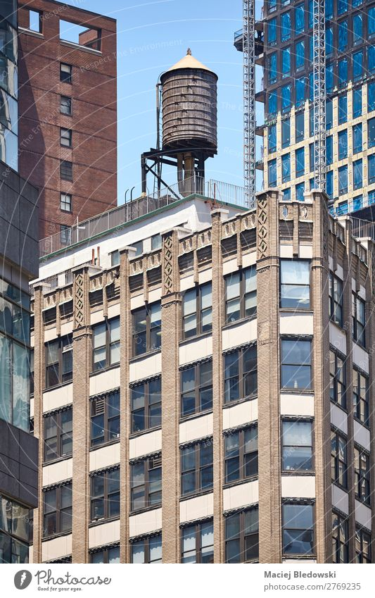 Water tank on a roof, New York, USA. Old Town House (Residential Structure) Window Architecture Wall (building) Building Wall (barrier) Facade