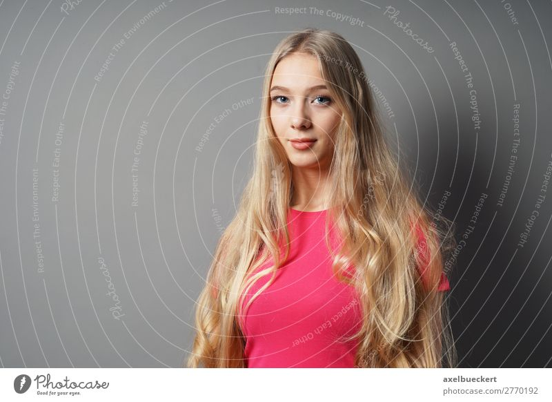 Woman Human being Youth (Young adults) Young woman Beautiful 18 - 30 years Adults Feminine Hair and hairstyles Pink Contentment 13 - 18 years Blonde Smiling