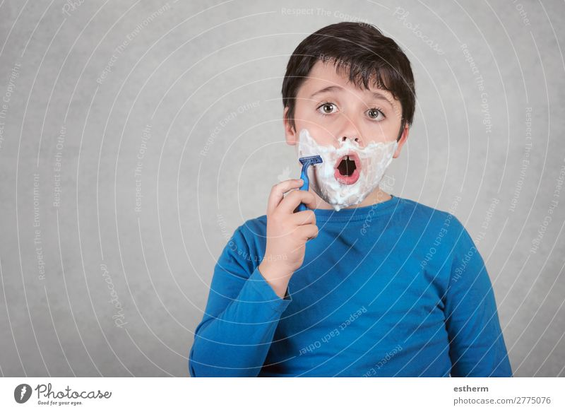 funny child with razor Child Human being Joy Lifestyle Adults Funny Emotions Feasts & Celebrations Masculine Glittering Infancy Happiness Skin Fitness