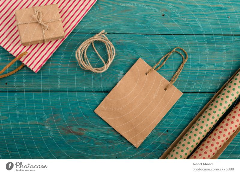 shopping bag, gift bags, packing paper with polka dots Shopping Style Design Beautiful Feasts & Celebrations Office Craft (trade) Business Rope Musical notes
