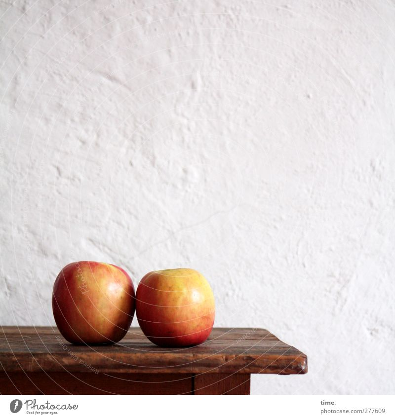 OO Food Apple fruit Fruit Cupboard Rack Wall (barrier) Wall (building) Healthy Round Red White Passion Infatuation Loyalty Hospitality Patient Calm Longing