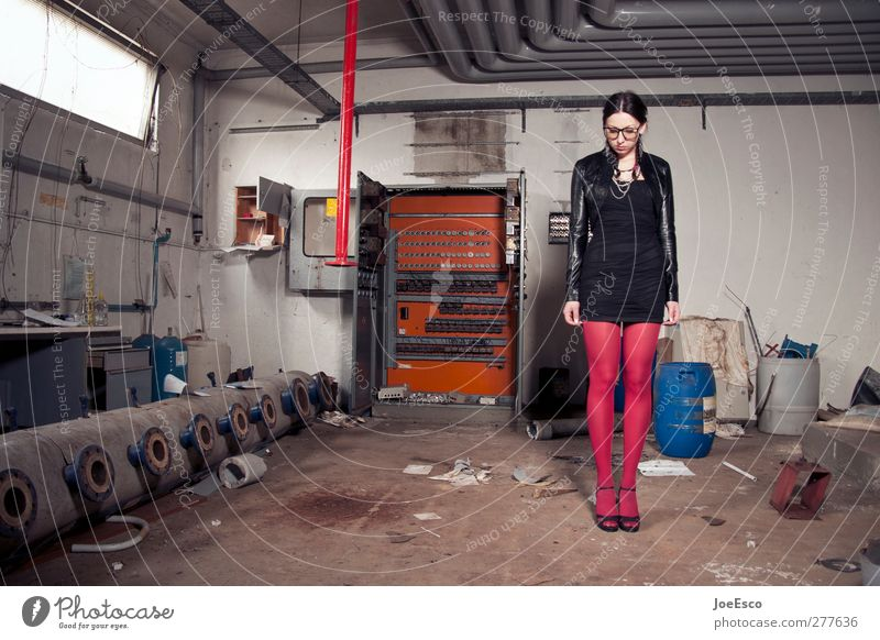 #227316 Moving (to change residence) Cellar Energy industry Energy crisis Woman Adults Human being 18 - 30 years Youth (Young adults) Manmade structures Fashion