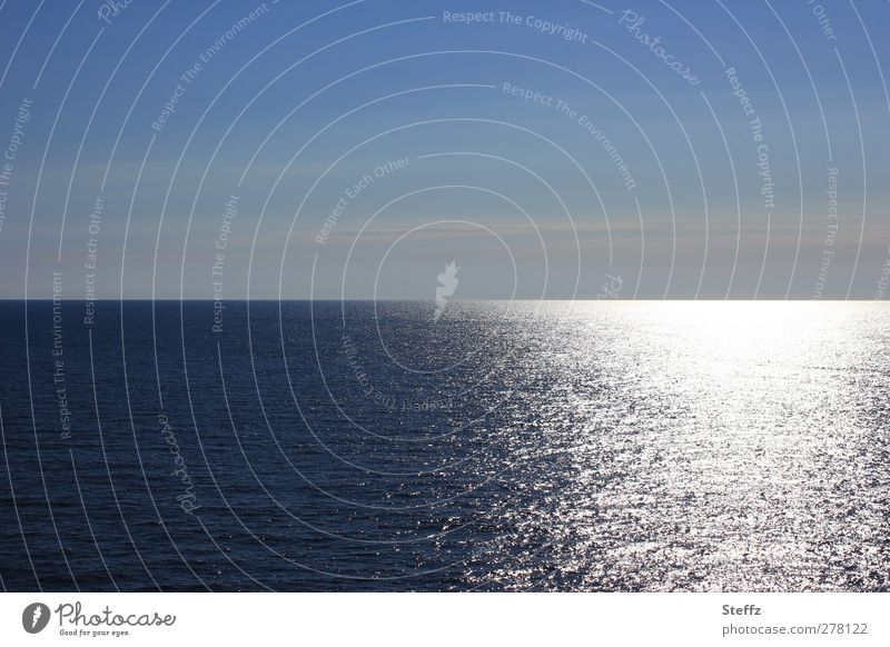 The vastness and the light North Sea Ocean Maritime Wanderlust Longing Meaning Seaside atmopshere Nordic romanticism Cruise Far-off places Horizon Flare
