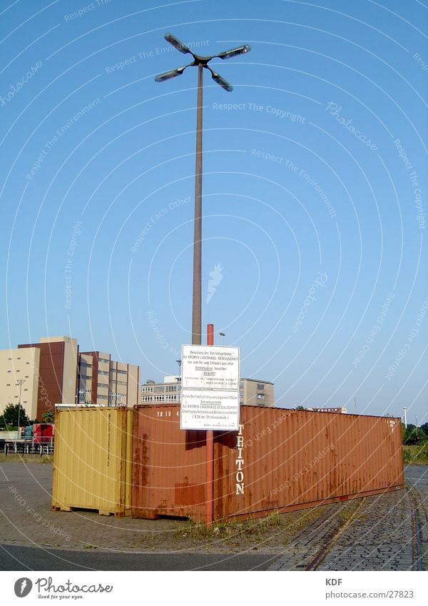 Red Yellow Watercraft Signs and labeling High-rise Hamburg Industry Industrial Photography Harbour Lantern Beautiful weather Container Blue sky