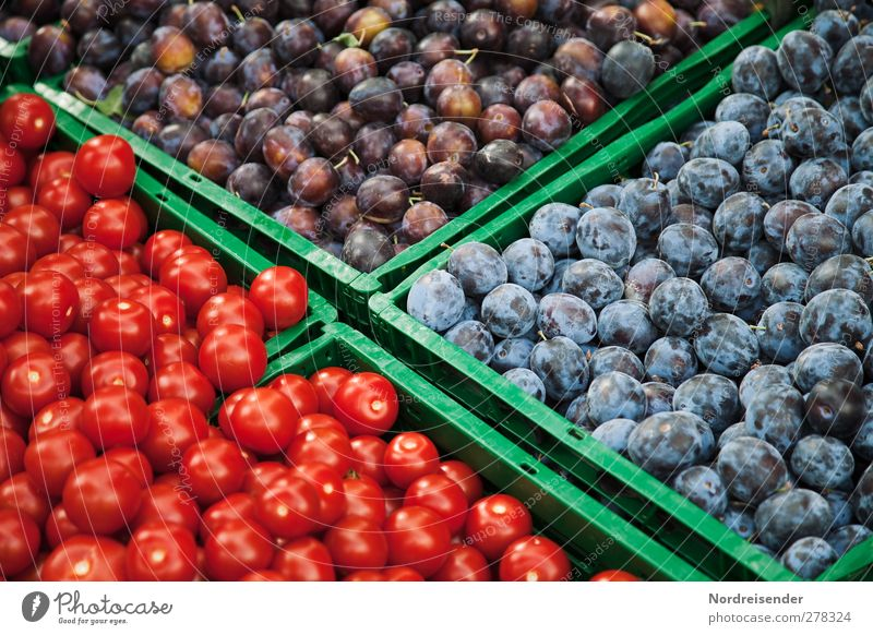 in passing Food Vegetable Fruit Organic produce Vegetarian diet Fasting Healthy Eating Blue Green Red Shopping Pure Advertising Plum Tomato Markets Market stall