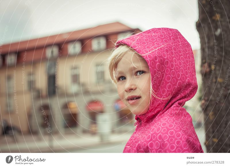 rainy day Lifestyle Hair and hairstyles Face Leisure and hobbies Child Human being Toddler Girl Infancy Head 3 - 8 years Weather Bad weather Wind Fashion Jacket