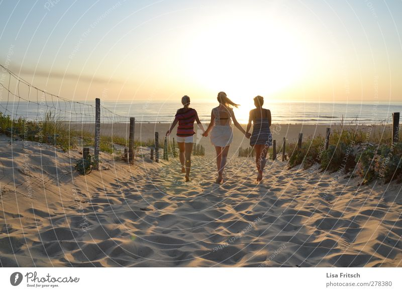 Hello SunShine Human being Feminine Young woman Youth (Young adults) Friendship Life 3 18 - 30 years Adults Water Sunrise Sunset Beautiful weather Beach Ocean