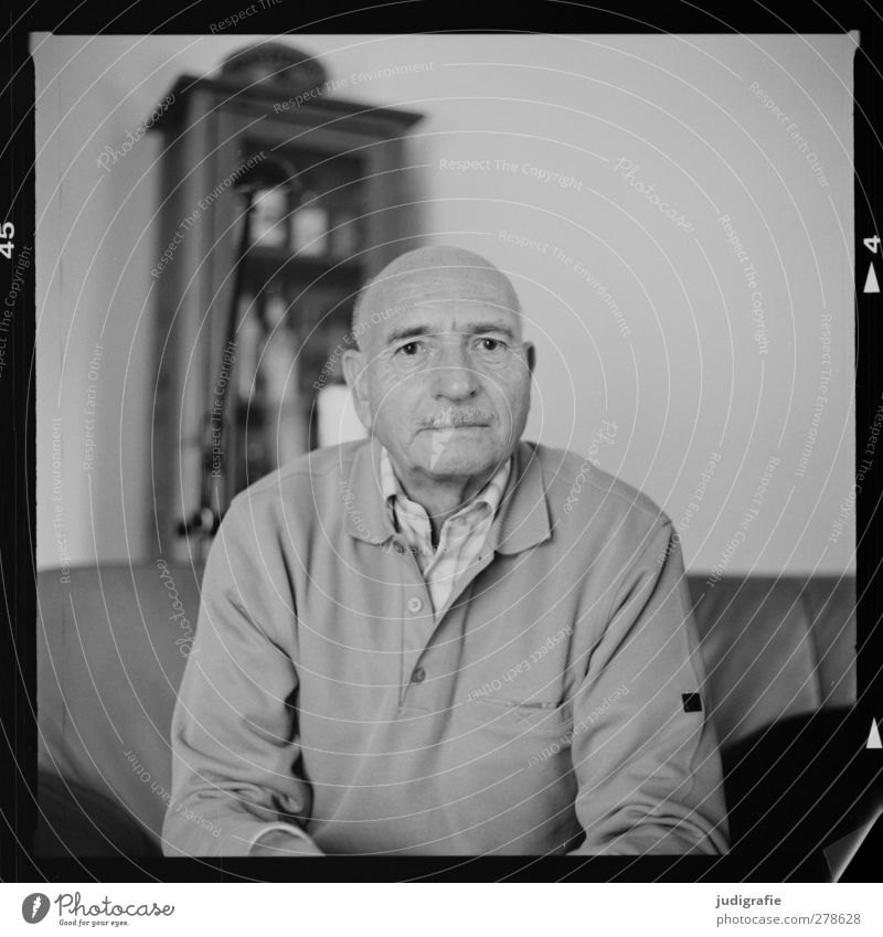 seventy-nine Human being Masculine Man Adults Male senior Senior citizen 1 60 years and older Sit Friendliness Life Black & white photo Interior shot