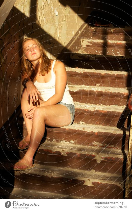 Human being Youth (Young adults) Relaxation Feminine Stairs Sit 13 - 18 years Warm-heartedness Emotions