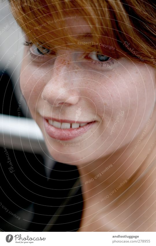 martina.outside Feminine Young woman Youth (Young adults) Face Freckles 1 Human being 18 - 30 years Adults Red-haired Bangs Smiling Illuminate Authentic