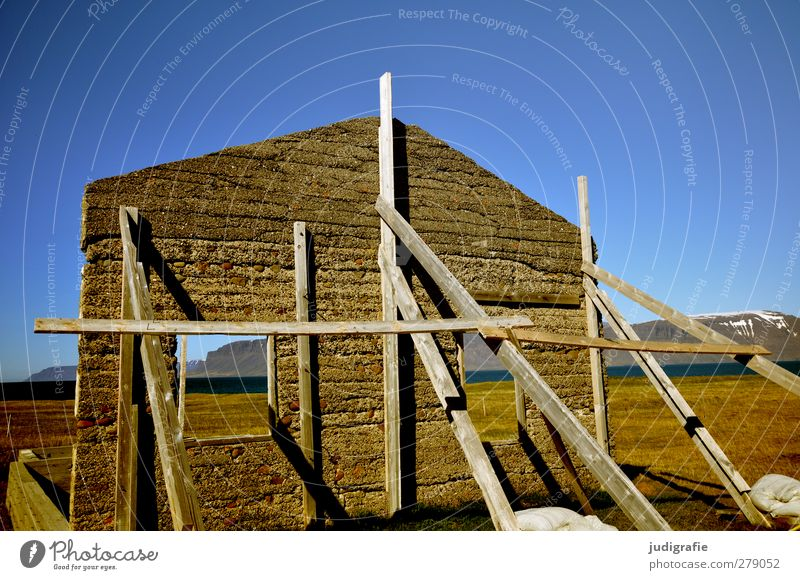 Iceland Environment Nature Landscape Sky Beautiful weather Selárdalur House (Residential Structure) Hut Ruin Manmade structures Wall (barrier) Wall (building)
