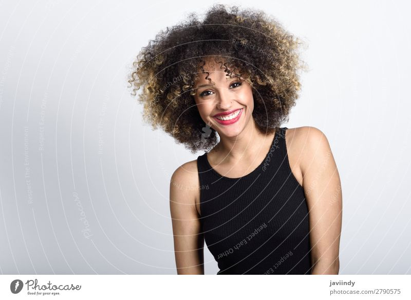 Young black woman with afro hairstyle smiling Style Beautiful Hair and hairstyles Face Human being Feminine Young woman Youth (Young adults) Woman Adults 1